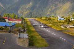 Lukla flygplats Nepal Arkivfoto
