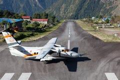 LUKLA/NEPAL - 18-ОЕ ОКТЯБРЯ 2015: Воздух Goma малый Стоковое Изображение