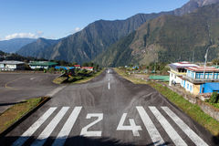 LUKLA/NEPAL - 18 OCTOBRE 2015 : Tenzing-Hillary Photo stock