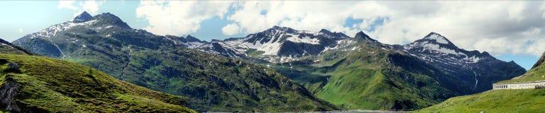Lukmanierpass的全景在瑞士 免版税库存图片