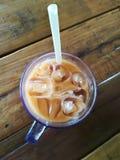 Lukrowa herbata na drewnianym stołowym odgórnym widoku Zdjęcie Royalty Free