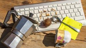 Lukrowa kawa która topi na klawiaturze widzieć w czasu upływie zdjęcie wideo