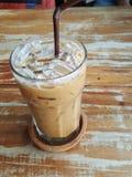 Lukrowa kawa na drewnianym stole Obraz Stock