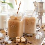 Lukrowa kawa w rocznika słoju Fotografia Stock