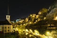Luksemburg miasta linia horyzontu przy nocą fotografia stock