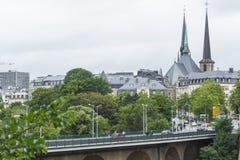01, 2016: Luksemburg miasto LUKSEMBURG, LIPIEC - Nowożytna część luks Obraz Royalty Free