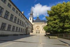 01, 2016: Luksemburg miasto LUKSEMBURG, LIPIEC - Paniusia Cathedr Obraz Stock