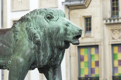 01, 2016: Luksemburg miasto LUKSEMBURG, LIPIEC - Statua lew Obrazy Stock