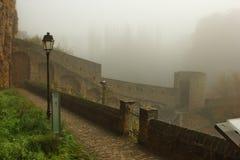 Luksemburg szturmany w mgle zdjęcie royalty free