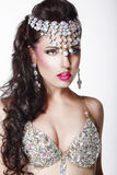 Luksus. Arystokratyczna kobieta w Glansowanej koronie z biżuterią Zdjęcie Royalty Free