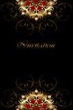 Luksus karta z złocistym ornamentem na czarnym tle Zdjęcia Stock
