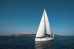 Luksusowa jacht łódź przy regatta Zdjęcia Royalty Free