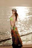 Luksusowa piękna modna kobieta na plaży Fotografia Stock