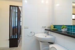 Luksusowa Wewnętrzna łazienka Obrazy Stock
