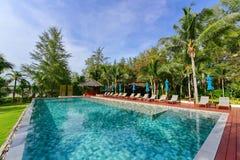 Luksusowego kurortu nieskończoności basen Zdjęcie Royalty Free