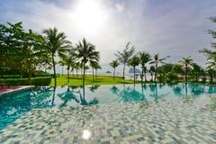 Luksusowego kurortu nieskończoności basen Obrazy Royalty Free
