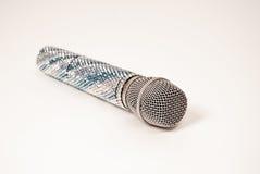 Luksusowi głosu mikrofonu kryształy dekorowali na białym tle Zdjęcie Stock