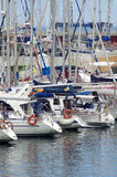 Luksusowi jachty przy schronieniem Zdjęcia Royalty Free