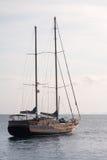 Luksusowi jachty w oceanie, KRIBI, TAJLANDIA obrazy royalty free