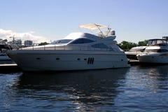 Luksusowi jachty w porcie Obrazy Royalty Free