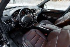 Luksusowi samochodowi wnętrze szczegóły zdjęcia stock