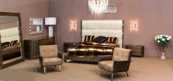 Luksusowy łóżkowy pokój Obrazy Royalty Free