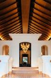 Luksusowy azjatykci Tajlandzki kurortu wejście z wysokim drewnianym sufitem, ciepłym fotografia stock