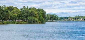 Luksusowy brzeg jezioro w Massachusetts zdjęcia royalty free