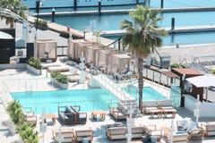 Luksusowy hol obok morza i jachting przesyłamy zdjęcie royalty free