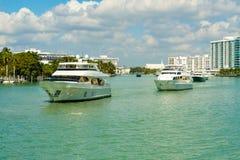 Luksusowy jachtów pływać statkiem Zdjęcie Royalty Free