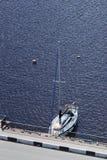 Luksusowy jacht na błękitnym morzu Zdjęcie Stock
