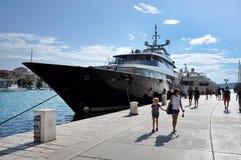 Luksusowy jacht w schronieniu Trogir, Chorwacja Fotografia Stock