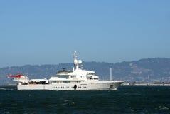 Luksusowy jacht z helikopterem Obrazy Stock