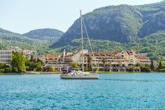 Luksusowy jacht z wybrzeża Śródziemnomorski Budva w Montenegro Zdjęcia Stock