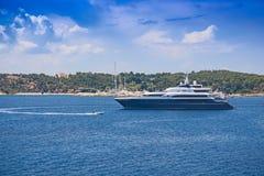 Luksusowy mega jacht Zdjęcie Royalty Free