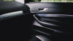 Luksusowy nowożytny samochodowy wnętrze obrazy royalty free