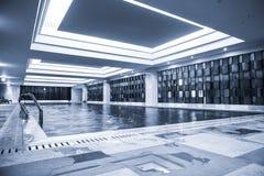 Luksusowy pływacki basen Zdjęcia Stock