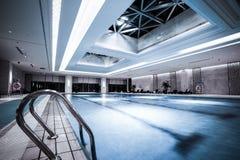 Luksusowy pływacki basen Obrazy Royalty Free