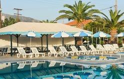Luksusowy pływacki basen w tropikalnym hotelu w Grecja Zdjęcie Stock