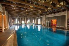 Luksusowy pływacki basen w zdroju Obraz Royalty Free
