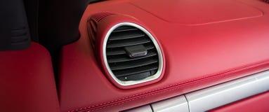 Luksusowy samochodowy wnętrze fotografia royalty free