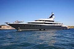 Luksusowy Superyacht z helikopterem w Ibiza Hiszpania zdjęcie royalty free