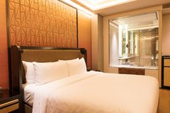 Luksusowy sypialnia apartament obraz stock