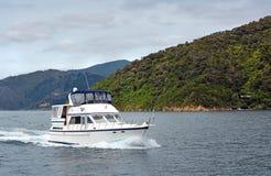 Luksusowy wodowanie Pływa statkiem w Marlborough Brzmi Nowa Zelandia obraz royalty free