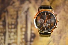 Luksusowy zegarek z rozmytym tłem zdjęcie stock