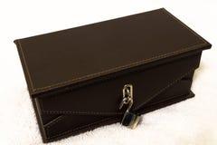Luksusowy zegarka lub biżuterii prezenta pudełko Ogłoszenie towarzyskie, teraźniejszość obraz stock