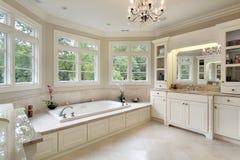 luksusu kąpielowy domowy mistrz obrazy stock