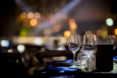 Luksusu Stołowy położenie dla ślubów i ogólnospołecznych wydarzeń Obraz Stock