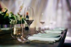 Luksusu Stołowy położenie dla ślubów i ogólnospołecznych wydarzeń Zdjęcie Stock