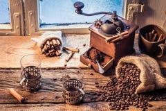 Lukt av nytt malt kaffe fotografering för bildbyråer